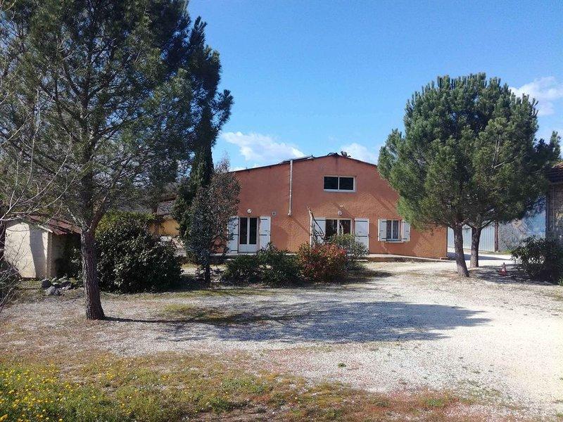 Gîte indépendant de 1 à 20 personnes proche rivière Ardèche - Vogüé, holiday rental in Lanas