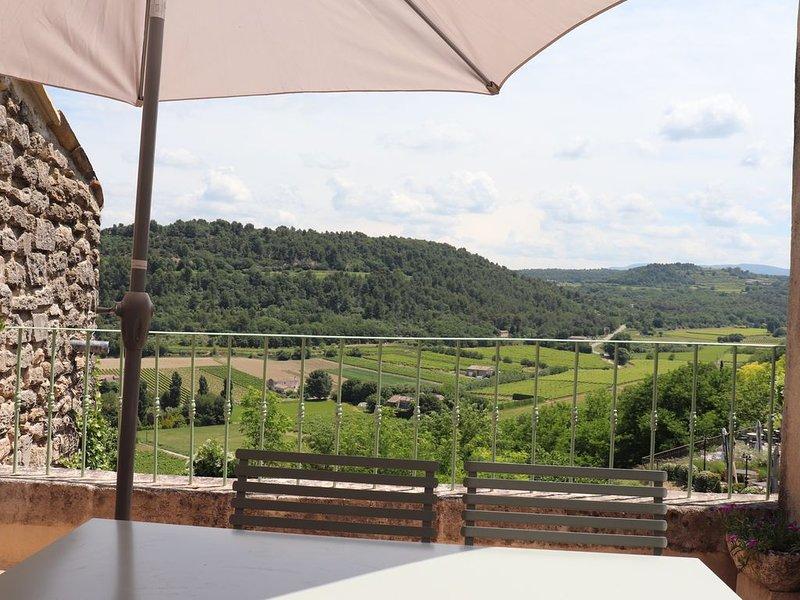 Maison de Village L'ensoleillée à Ménerbes - 4-5 personnes, holiday rental in Menerbes