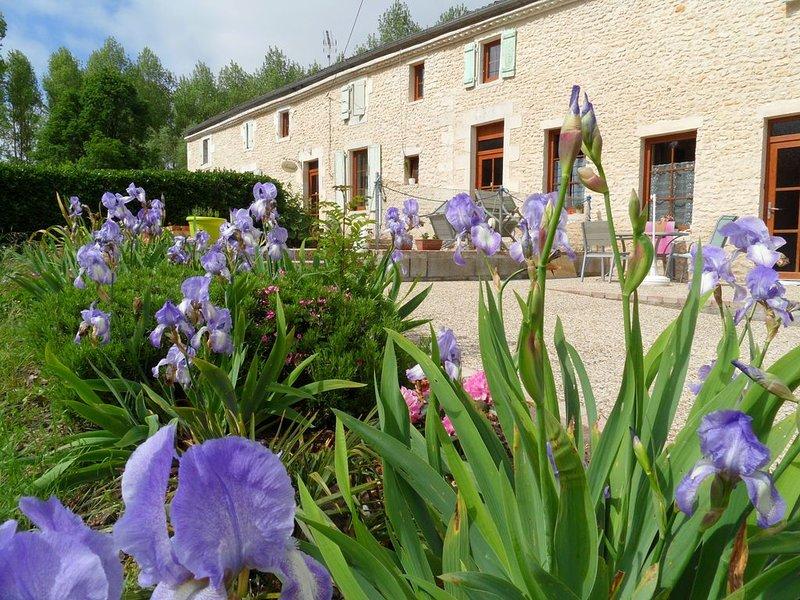 1 chambre Au jardin près de l´océan Les Mathes La Palmyre, location de vacances à Etaules
