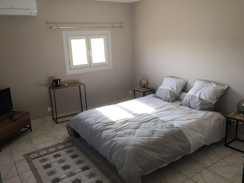 chambre de charme au sein d'une propriété au calme, holiday rental in Saint-Quentin-la-Poterie