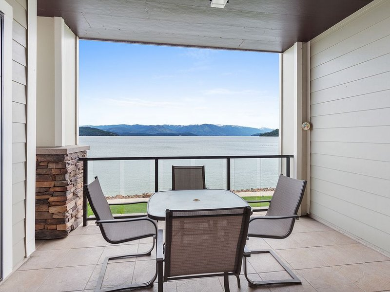 Incredible views! 3bd condo at Seasons Sandpoint!, vacation rental in Kootenai