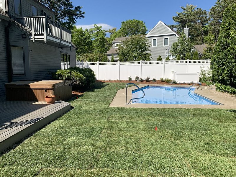 Large New Seabury Home w/ Pool & Hot Tub Near The Beach, location de vacances à Mashpee