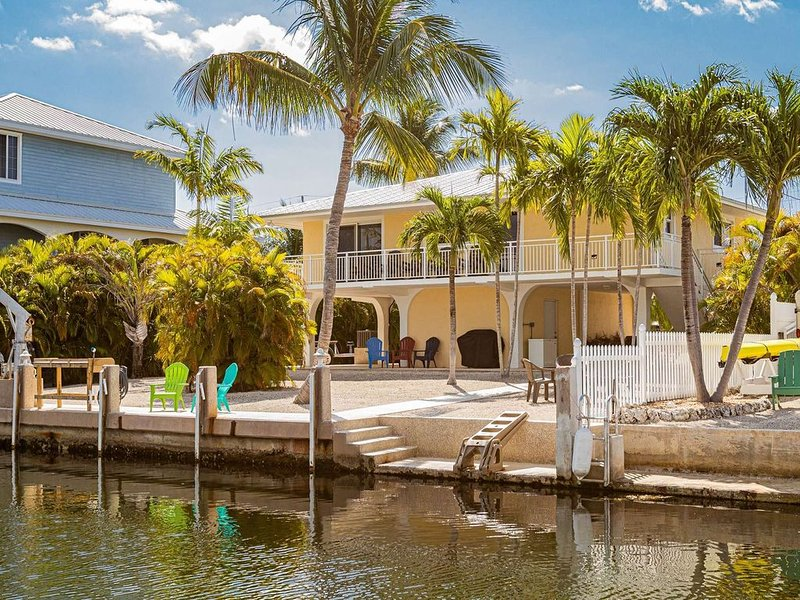 Sunny's Paradise - Beautiful & Clean Canal Front Home That Is Dog Friendly, Brin, holiday rental in Grassy Key
