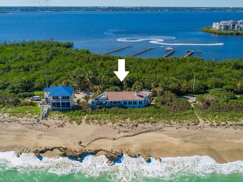 La Dolce Vita:  Big Beach House w/ elevator & heated pool! (DIRECTLY ON BEACH), casa vacanza a Stuart