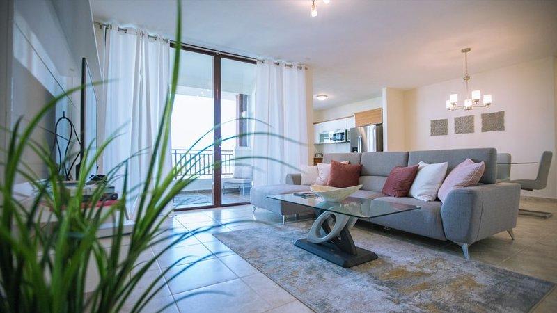 Beautiful 3 Bedroom Private Condo at Solarea Beach Resort, alquiler vacacional en Punta Santiago