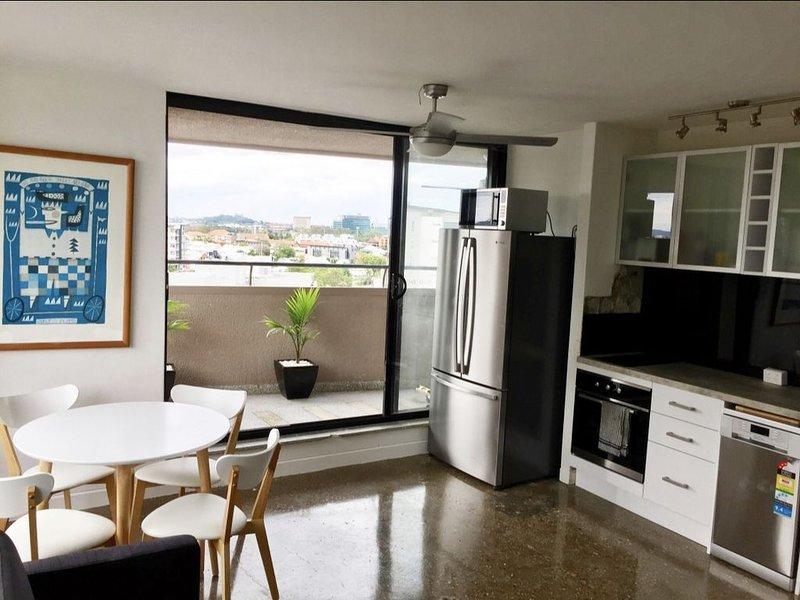 Large Funky City Apartment, alquiler de vacaciones en Brisbane