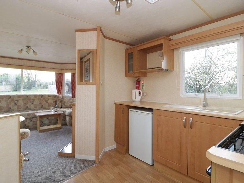 Family friendly caravan nr Glastonbury & Street, Ferienwohnung in Butleigh
