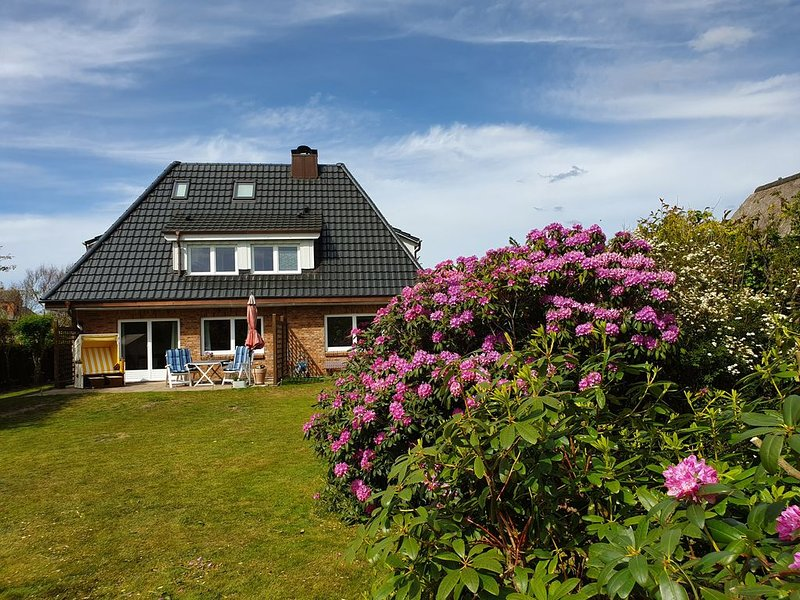 Ferienwohnung  in direkter Nähe zum Dorfteich, location de vacances à Wenningstedt