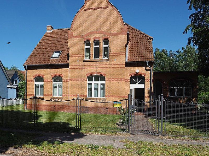 familienfreundliche Ferienwohnung für max. 5 Personen, Garten, WLAN, holiday rental in Ostseebad Prerow