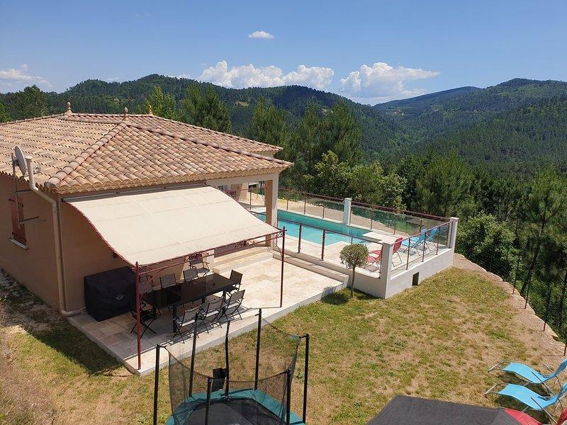 Magnifique Villa de 123 m² avec piscine privée et vue exceptionnelle, holiday rental in Saint-Michel-de-Deze
