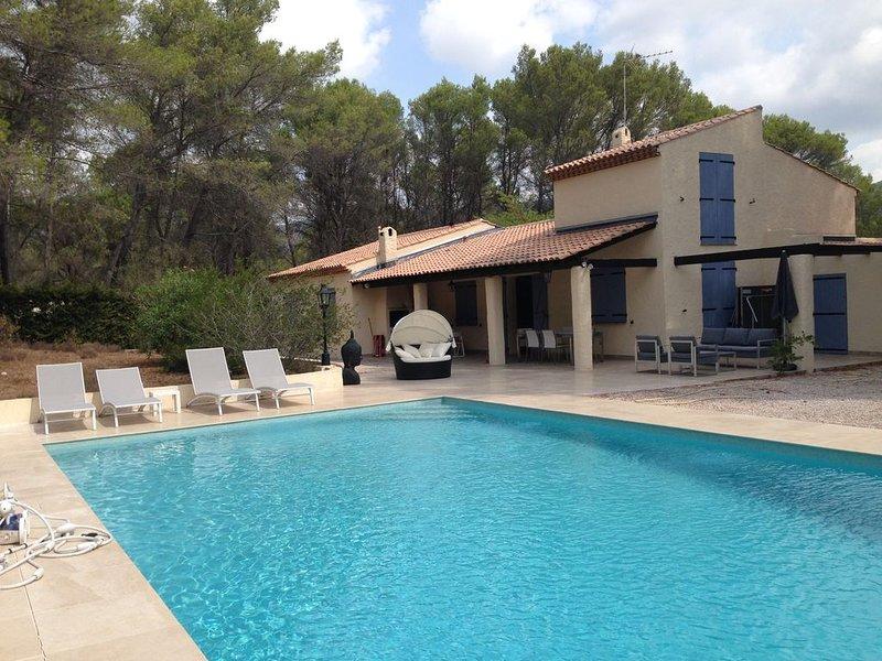 Villa L'Ermitage Côte d'Azur 10 p. l'Estérel (ter. de 57 a.),  dom privé, vacation rental in Puget-sur-Argens