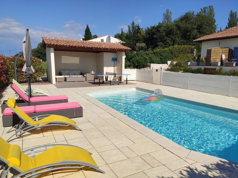 Gîte pour 4 personnes confortable et entièrement équipé, vacation rental in Peynier