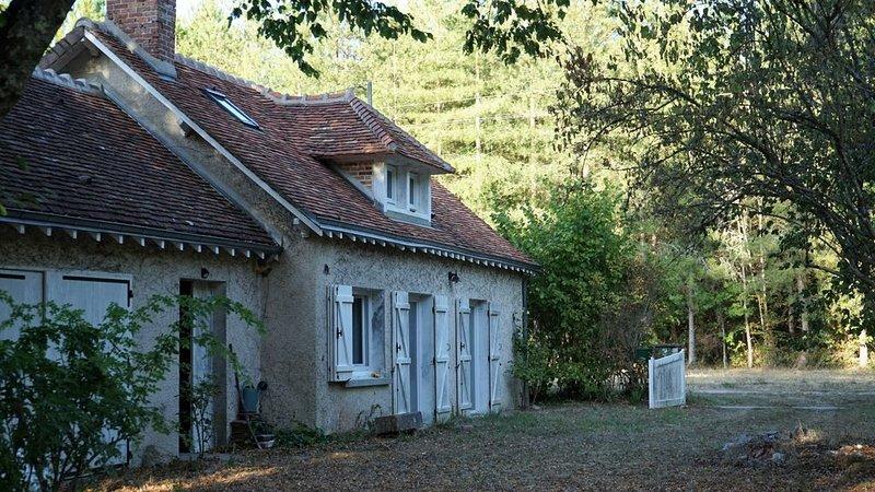 Maison au calme absolu dans la nature, casa vacanza a Nouan-le-Fuzelier