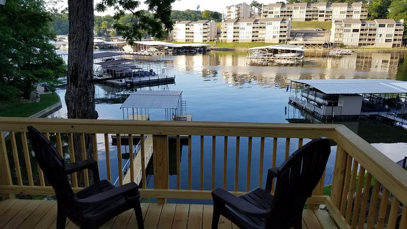 Newly Listed-Remodeled Private Cottage with your own dock in Osage Beach!, vacation rental in Osage Beach