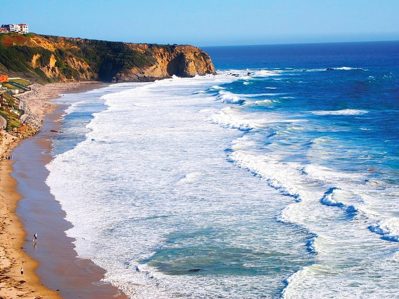 Beautiful Dana Point condo at Niguel Beach Terrace, just steps from the beach!, casa vacanza a Dana Point