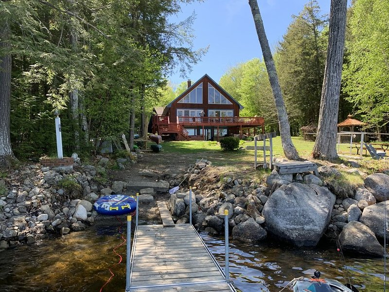 Private Lakefront Getaway With Amazing Views on Great Moose Lake - No Pets., vacation rental in Harmony