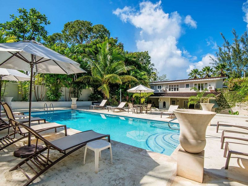 Capri Manor Luxury villa, holiday rental in Gibbes