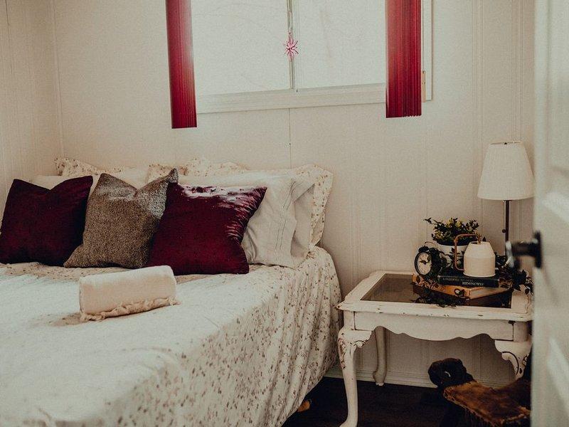 SummerFell Cabin-2 Bedrooms, 6 Guests, Modern Cabin, location de vacances à Alberta Beach