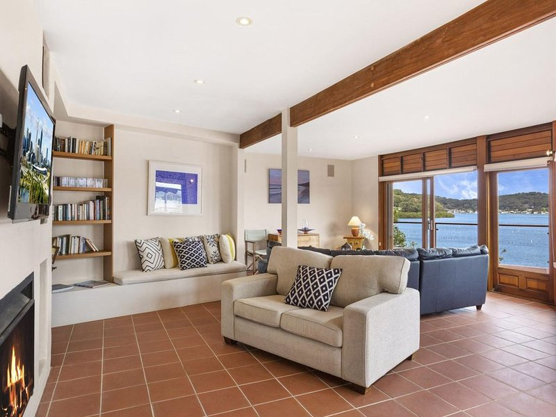 Sunset Retreat - Youll love the water views, spacious layout designed for entert, vacation rental in Ettalong Beach