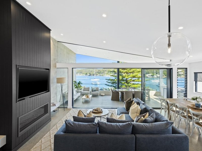 The Penthouse Villa - This top floor villa is the largest and most luxurious of – semesterbostad i Woy Woy
