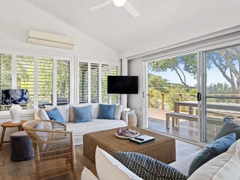 Driftwood - Light & breezy, this home is the ideal beach-loving weekender., holiday rental in Killcare