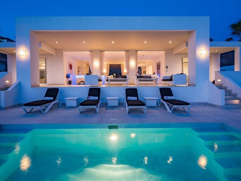 Villa Azure Ocean - Coral Estate, holiday rental in Sint Willibrordus