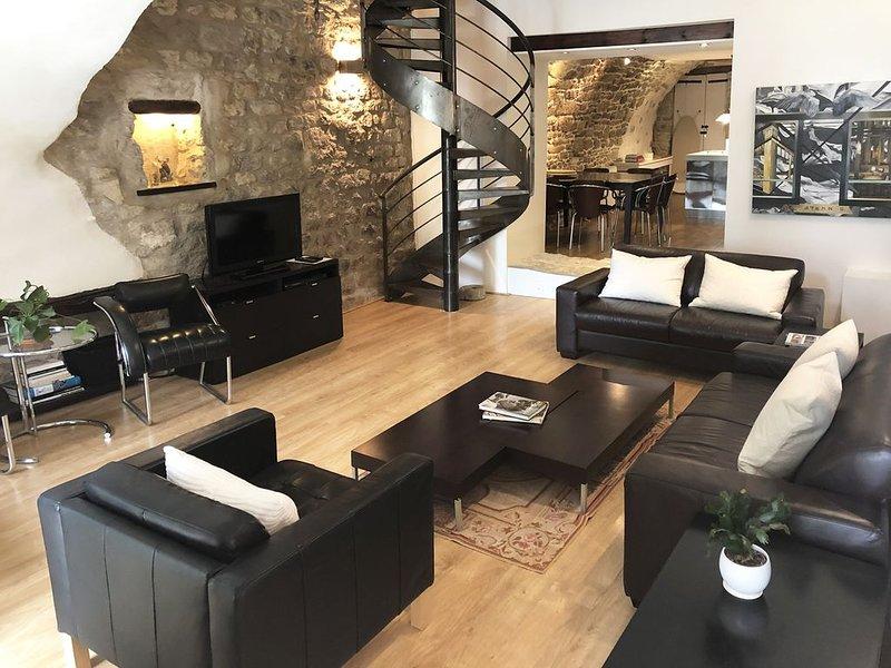 Forcalquier Architecture Maison de Village Centre, location de vacances à Niozelles