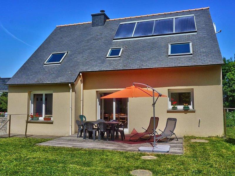Maison 1 à 8 personnes au calme et près de la mer - Trégomeur, holiday rental in Saint-Jean-Kerdaniel
