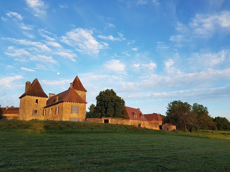 Manoir au cœur du Périgord Noir - Vue magnifique !, casa vacanza a Audrix