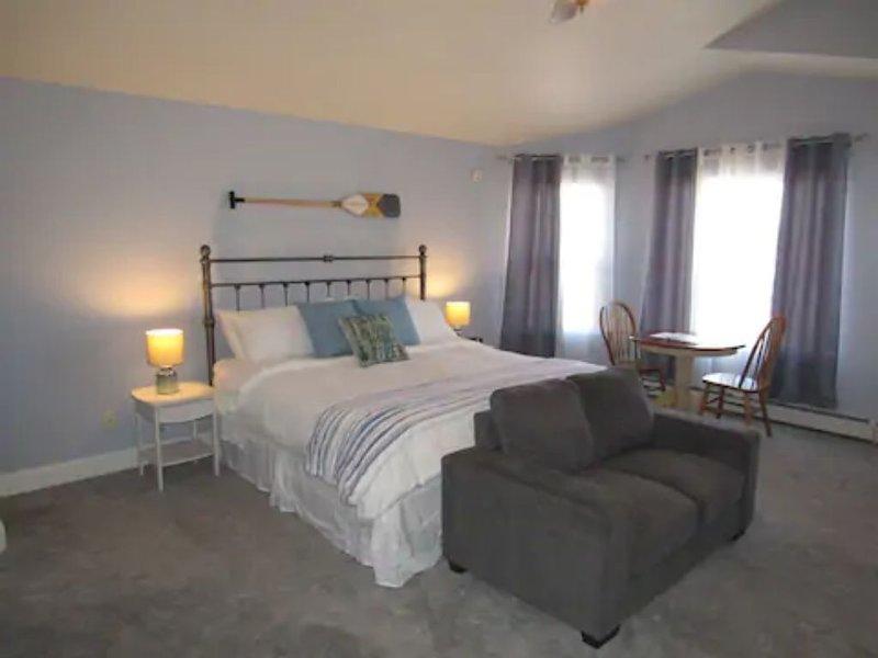 Two Rivers King Suite private bath and enterance, aluguéis de temporada em Clifton