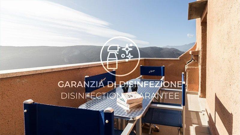 Appartamento su più livelli con A/C, Wi-Fi, piscina, terrazzo e parcheggio, holiday rental in Vezzi Portio