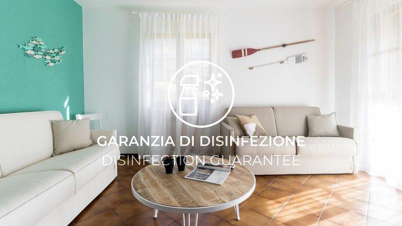 Appartamento con Wi-FI, A/C, parcheggio, piscina e giardino, holiday rental in Vezzi Portio