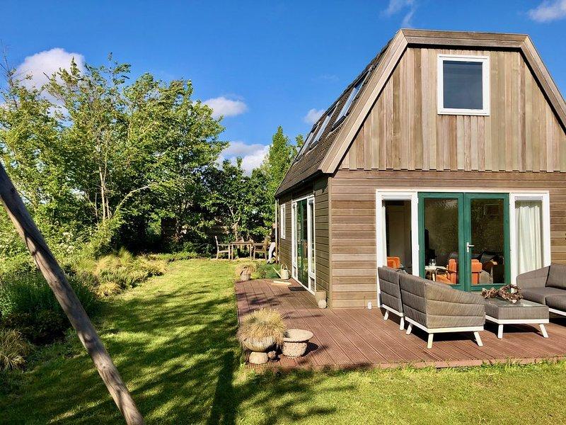 Bart's Home liegt mitten in dem Dünengebiet von Egmond- Binnen. 1,5 Km vom Stran, holiday rental in Heiloo