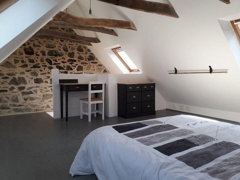 Jolie petite maison à la campagne- proche du bourg, vacation rental in Loguivy-Plougras