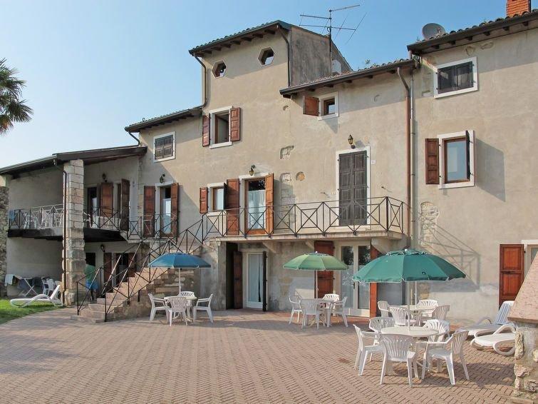 Ferienwohnung Ca' Pignoi (GAA261) in Garda - 4 Personen, 1 Schlafzimmer, holiday rental in Marciaga di Costermano