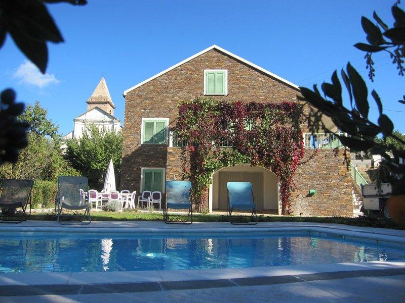 Villa - piscine- Entre mer et montagne - 20 mn des plages, location de vacances à Pietralba