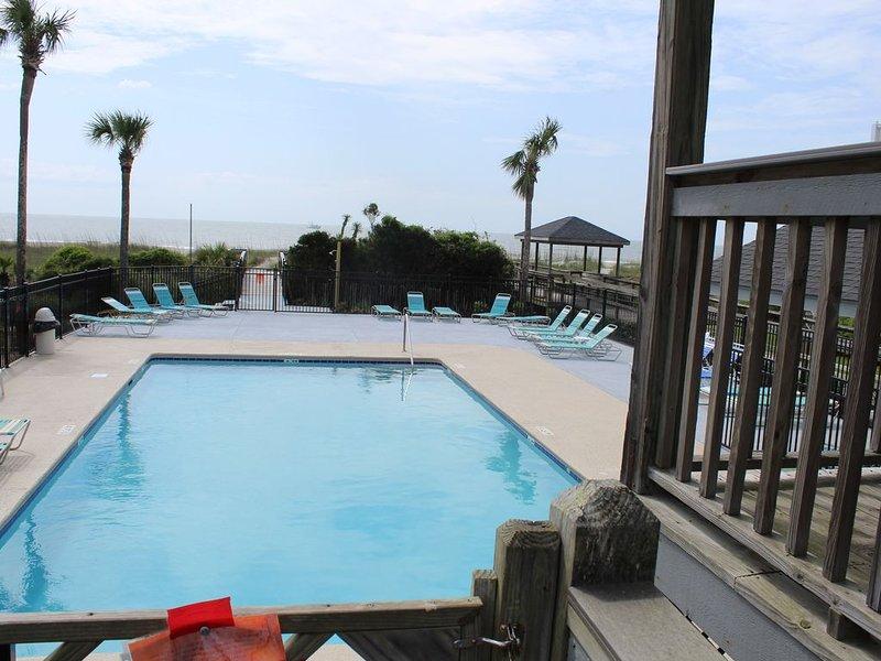 A Place at the Beach Oceanfront on the Garden City Peninsula, location de vacances à Murrells Inlet