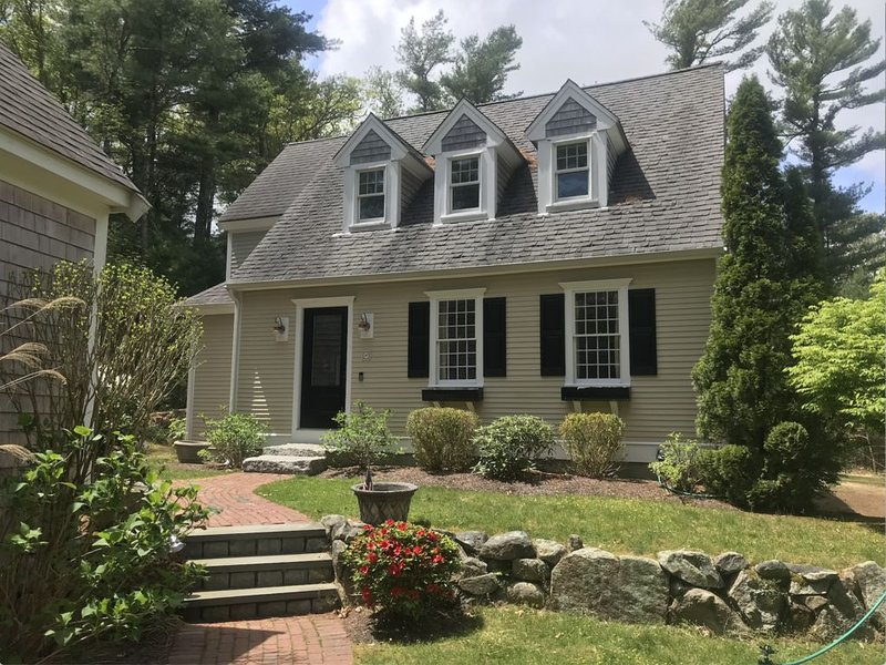 Secluded Home Set on Small River Perfect for Families, holiday rental in Cotuit