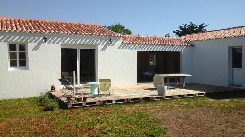 Maison individuelle neuve avec terrasse, préau & jardin, vakantiewoning in Ile d'Yeu