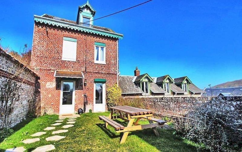 La Maison de Manon - 100m de la Plage - Vue Mer :), holiday rental in Angiens