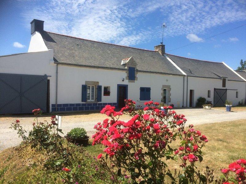 DAMGAN Charmante petite maison pour 3 personnes avec jardinet, holiday rental in Le Tour-du-Parc