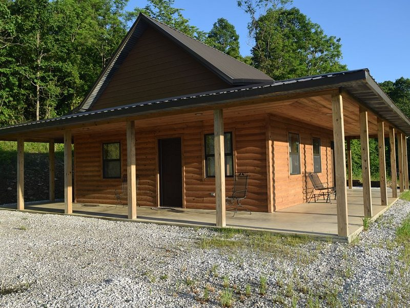 Ozark Mountain Trails Cabin Located in the Heart of the Ozark National Forest, holiday rental in Mount Judea