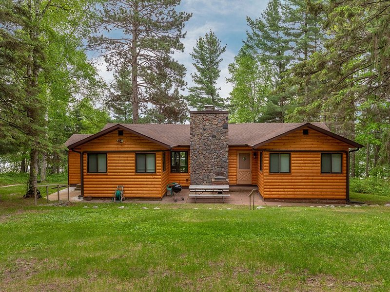 Freshly updated cabin on Big Trout Lake Whitefish Chain  MN  Crosslake, holiday rental in Pine River