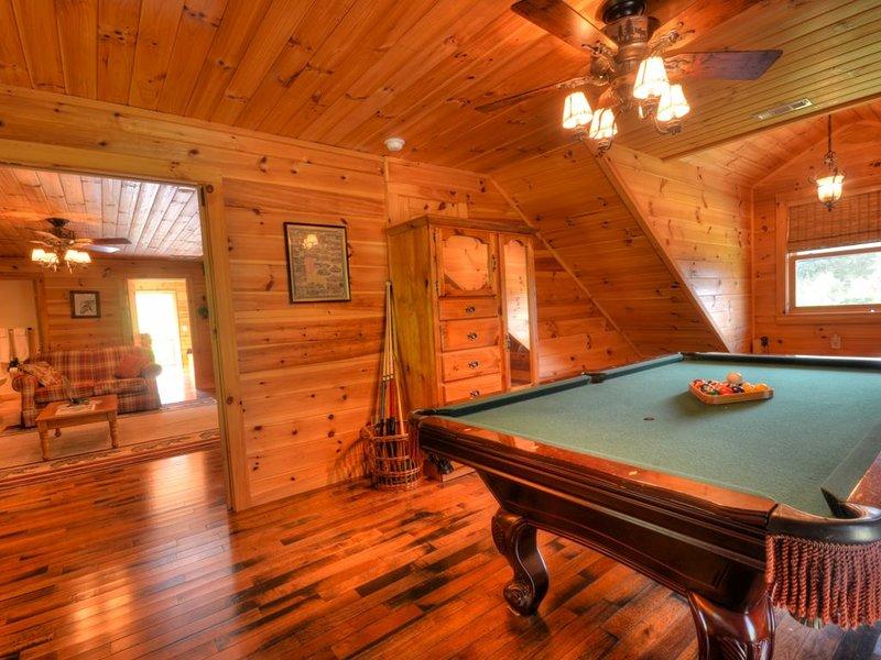 Wild Turkey Run, 4 Bedrooms Sleeps 10, Ferienwohnung in Cherokee