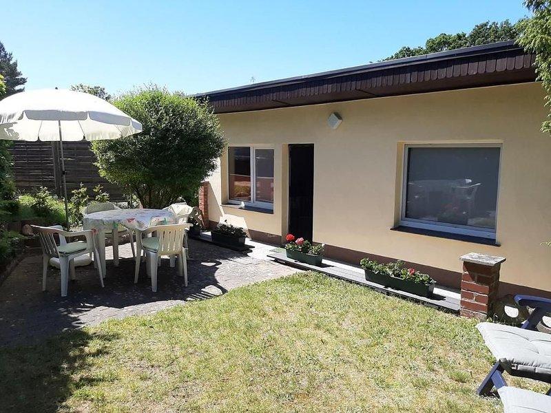 Ferienhaus Schwarz für 2 - 4 Personen mit 1 Schlafzimmer - Ferienhaus, holiday rental in Diemitz