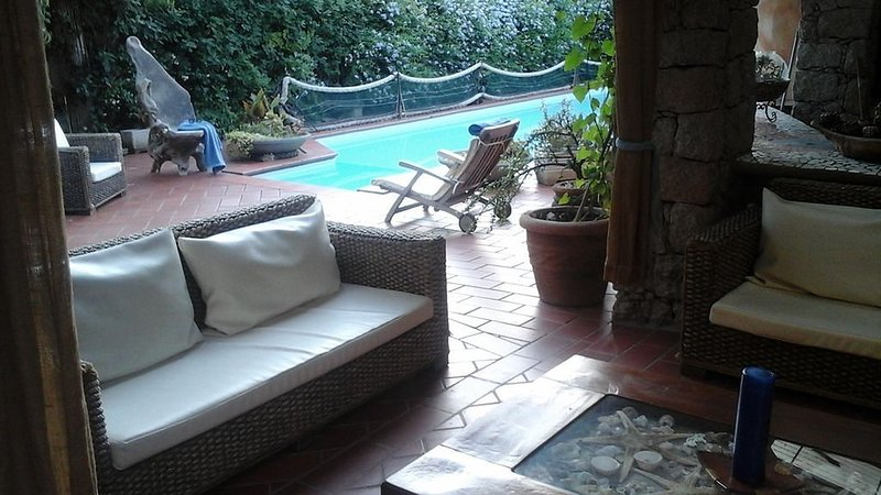50% off beach villa! 200m from the sea, vacation rental in Valledoria
