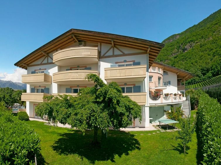 Apartment Res.-Hotel Graf Volkmar  in Burgstall, South Tyrol / Alto Adige - 4 p, location de vacances à Postal