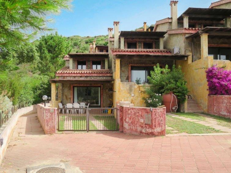 Ferienhaus Il Borgo (PCR140) in Porto Corallo - 8 Personen, 3 Schlafzimmer, vacation rental in Villaputzu
