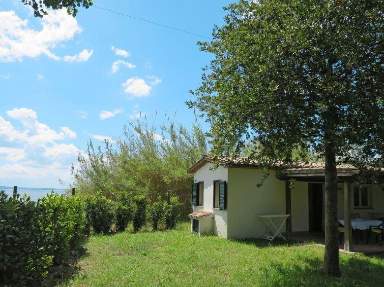Ferienhaus Chalet del Lago (BOL258) in Lago di Bolsena - 2 Personen, 1 Schlafzim, vacation rental in San Lorenzo Nuovo