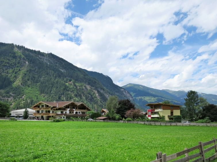 Apartment Haus Rauter  in Mayrhofen, Zillertal - 8 persons, 3 bedrooms, vacation rental in Mayrhofen